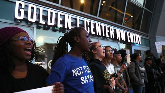 Hawks-Kings game delayed, then played as Sacramento protest blocks fans outside arena