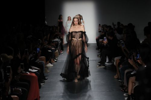 Lisa N. Hoang Spring 2018: New York Fashion Week
