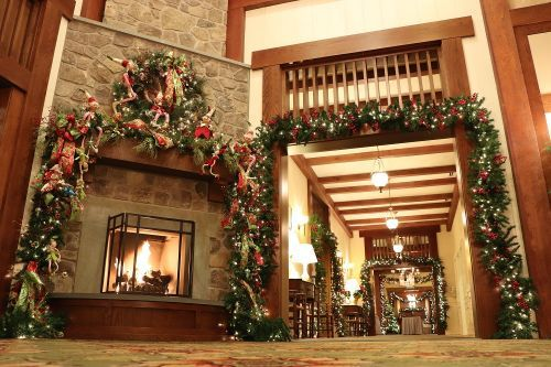 Discover Your Holiday Cheer at These Decorated Virginia Restaurants