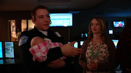 Dispatcher Meets Christmas Baby He Helped Couple Deliver On Highway