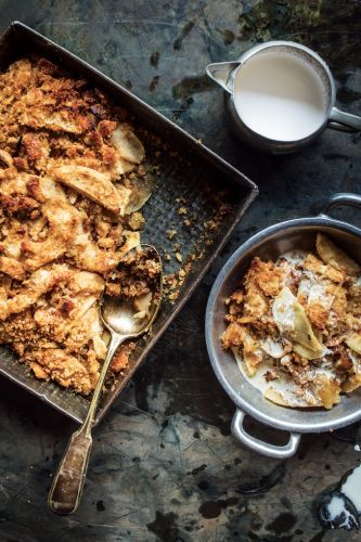 Roasted Apples with Spiced Bread Crumbs