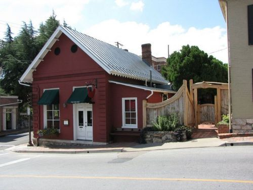 The Red Hen Reopens to Protesters and a Fully Booked Dining Room