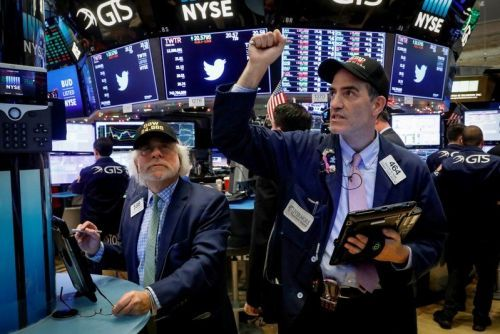 Stocks mostly higher as tech breaks 4-day losing streak
