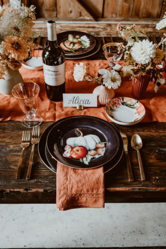 10 Gifts to Get Your Thanksgiving Host This Year