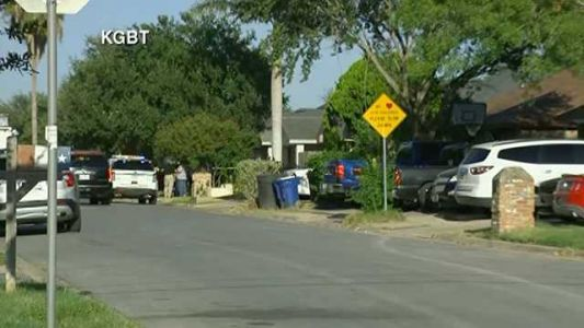 Police: 2 officers dead after domestic call response in Texas, suspect dead