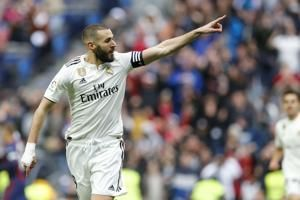 Benzema scores 2 as Madrid recovers to beat Eibar