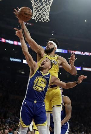 Thompson hits first 10 from 3, Warriors beat Lakers 130-111