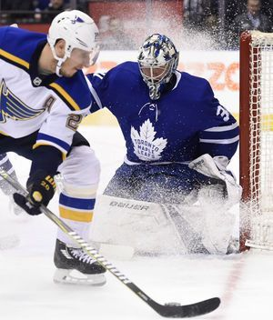 Steen ties it, Dunn scores in OT to lift Blues over Leafs