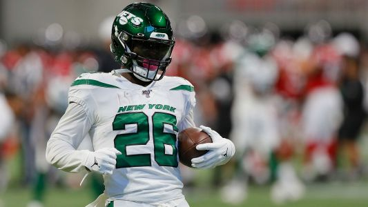 Jets' Le'Veon Bell will not play in the preseason, coach Adam Gase says
