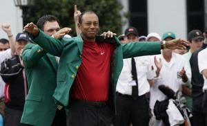 Tiger Woods wins Masters for 1st major title in 11 years