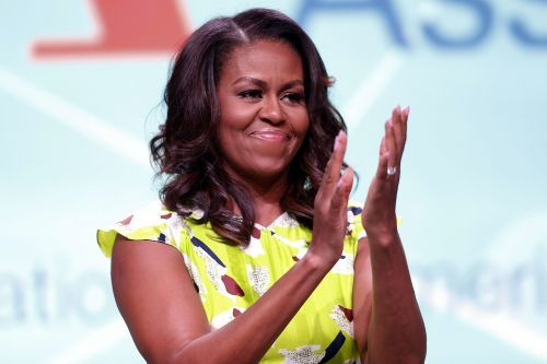 Michelle Obama officiates Chicago couple's wedding