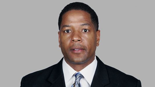 Cardinals close to hiring Panthers DC Steve Wilks as head coach, reports say