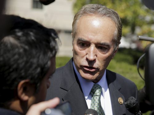 GOP Rep. Chris Collinsabandons his bid for reelection amid insider trading allegations