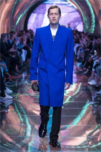 Balenciaga Balances Tailoring & Modernity for Spring '19 Collection