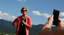 Elizabeth Warren To Introduce Bill Revoking Medals Of Honor For Wounded Knee Massacre