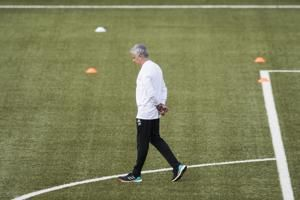 Mourinho asks players to be like Federer ahead of Swiss game