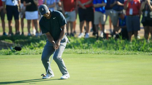 PGA Championship 2018: Tiger Woods shakes off early stumble, Rickie Fowler takes early lead