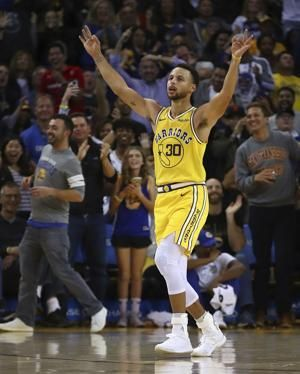 Stephen Curry dazzles for 51 points in sensational start