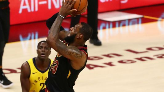 NBA playoffs wrap: LeBron James buzzer-beater gives Cavaliers series lead