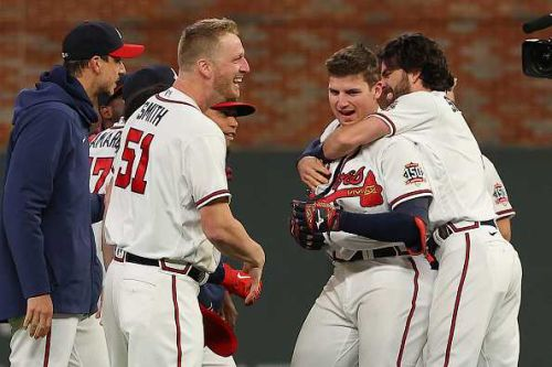 Walk-off single lifts Braves over Dodgers in NLCS Game 1
