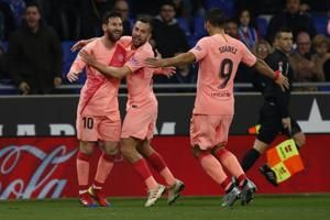 La Liga: Barcelona, Atleti win big; Messi's free-kick magic