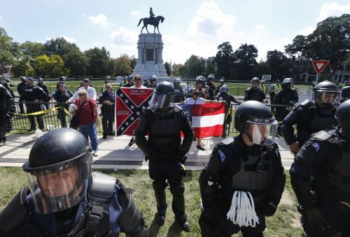 Cities across the US have torn down these controversial Confederate monuments