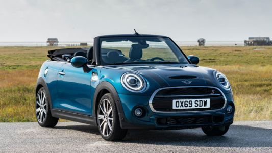 This 2021 Mini Sidewalk Edition Is Currently The Only Mini Available With A Manual: Report