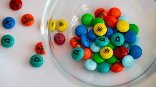 World Leaders Gobble Up M&Ms Imprinted With U.N. Goals