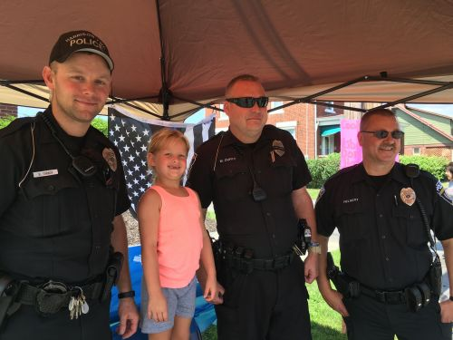 6-year-old girl raises over $800 for Harrison Township Police Department with cookie stand