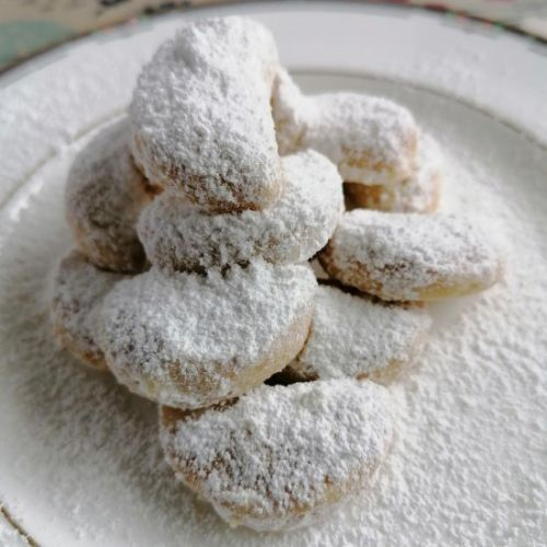 Indonesian Snow White Cookies
