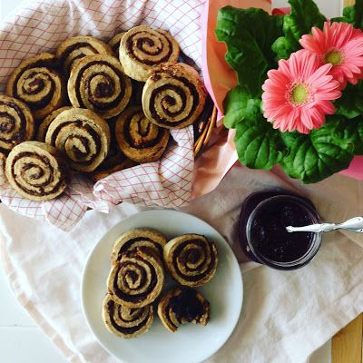 Cinnamon Raisin Swirl Rolls