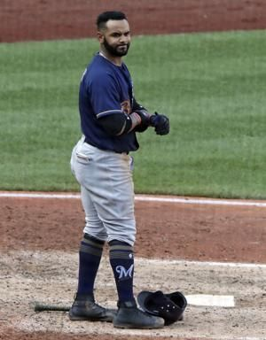 Brewers place Villar on 10-day DL with thumb injury