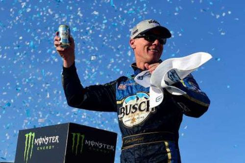 Kevin Harvick earns 1st win of the season