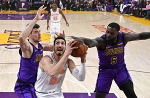 Knicks' Enes Kanter to skip London trip because of assassination fears