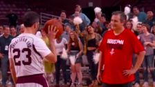 Ted Cruz Defeats Jimmy Kimmel In 'Blobfish Basketball Classic'