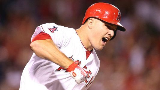Sports world reacts to Mike Trout's mega-signing
