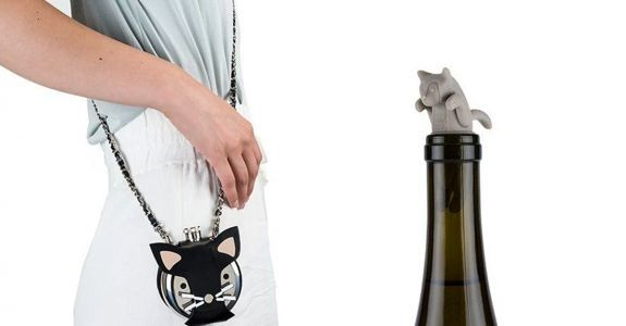 4 Drinks Accessories For People Who Love Cats