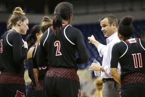 No. 2 Louisville women stay undefeated, top Pittsburgh 77-51