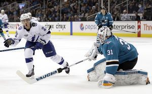 Namestnikov scores 2 as NHL-best Lightning stop Sharks, 5-1