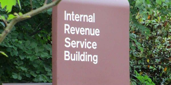 The IRS just pushed back the deadline to file taxes by one day after its website crashed on Tax Day