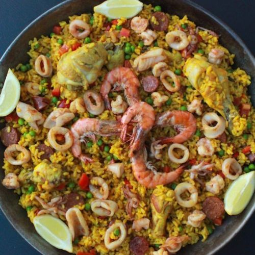 Easy Chicken and Seafood Paella