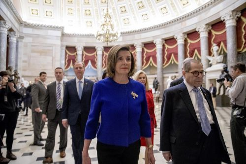 Pelosi brokers deal with liberals on drug pricing bill