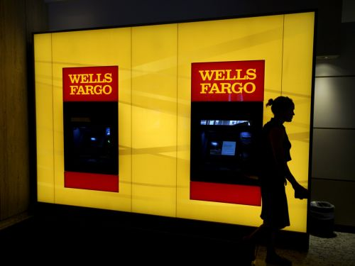 Wells Fargo plans to cut roughly 1,000 US jobs