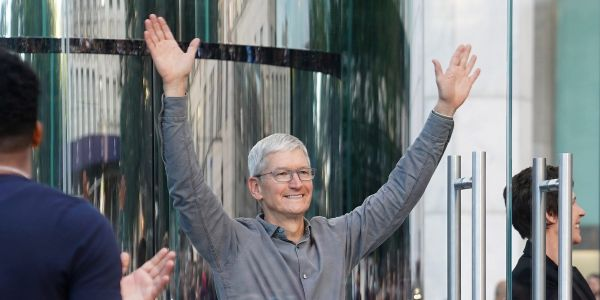 Apple dethrones oil giant Saudi Aramco as the world's most valuable company