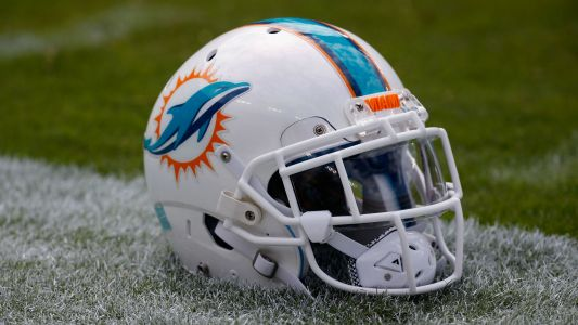 Dolphins waive Kendrick Norton after arm amputation, will still pay full salary