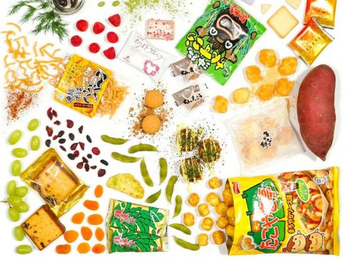 We tried Bokksu, a monthly subscription box service that sends delicious Japanese snacks you won't find easily in the US