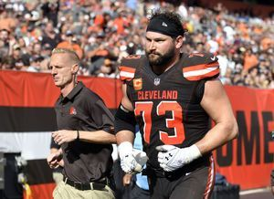 Winless Browns shaken by injury to star tackle Joe Thomas