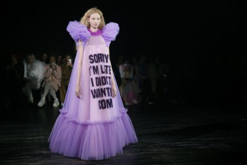 Viktor & Rolf's Paris Couture Show Was Basically Just a Bunch of Memes