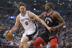 Lowry scores 24 points as Raptors beat Spurs 86-83