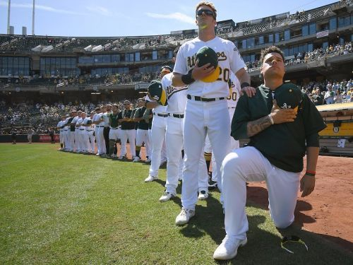 Bruce Maxwell receives huge ovation during first appearance since MLB's first national anthem protest